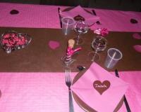Décoration de table de baptême rose et marron
