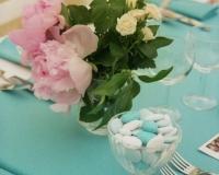 Décoration de table de baptême bleue et blanche