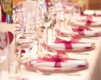 Decoration de table de baptême rose