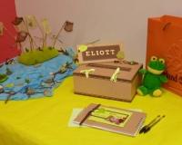 Boîte aux oboles et livre d'or du baptême d'Eliott
