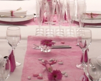 Decoration de table de baptême rose